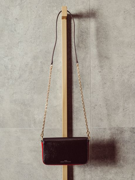THE SNAPSHOT WALLET ON A CHAIN black/red