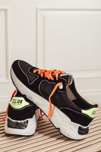 GOLDEN GOOSE Sneakers uomo Running Sole nera in suede e canvas