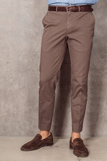 INCOTEX Pantalone slim fit in cotone stretch marrone
